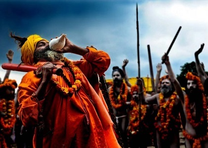 How is the location of the Kumbh Mela decided?